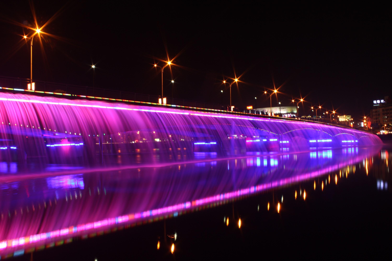 大桥音乐喷泉